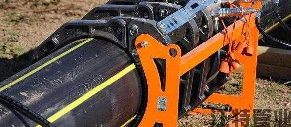 PE管道焊接中不停输开孔封堵技术助力解决管道施工难题
